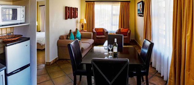 LALAPANZI GUEST LODGE, PORT ELIZABETH